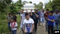 被拘押期间死亡的7岁危地马拉女童杰克林。(2018年12月25日)