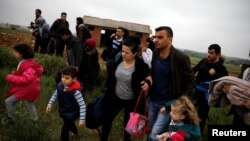 ترکیه وايي د سوري کډوالو نوې څپه نشي زغملې