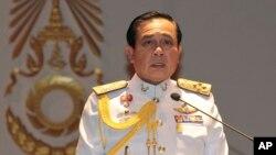 26일 태국 쿠데타 주역인 프라윳 찬-오차 육군 참모총장이 기자회견장에서 발언하고 있다.