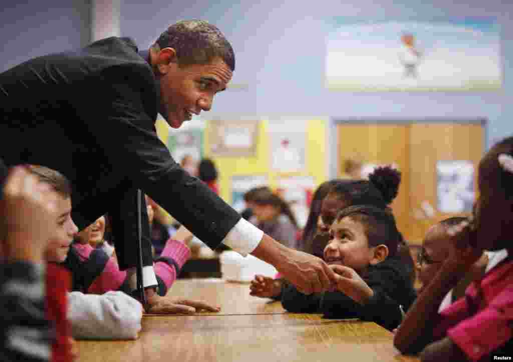 Con niños del tercer y cuarto grado de la escuela primaria Viers Mill, en Silver Spring, Maryland.