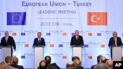 Učesnici samita EU - Turska u Varni