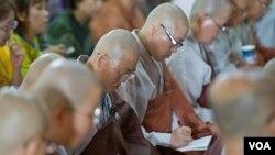 Dalai Lama Starts a 3 Day Teaching in Dharamsala (photo:dalailama.com)
