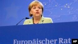 28일 벨기에 브뤼셀에서 열린 유럽연합 정상회의에서 앙겔라 메르켈 독일 총리가 기자회견을 하고 있다.