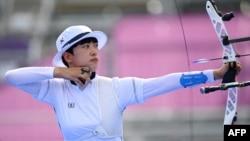 南韓射箭女選手安山在東京奧運會賽場上。 (2021年7月30日)