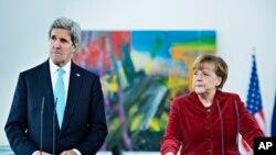 ABD Dışişleri Bakanı John Kerry ve Almanya Başbakanı Angela Merkel