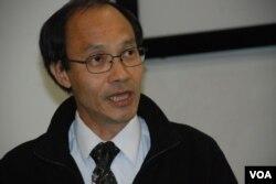 港大民意研究計劃總監鍾庭耀表示,出席佔中活動並非政治站台