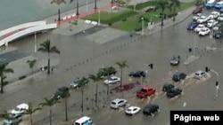 Baía de Luanda após chuvas torrenciais (Central Angola/Facebook)