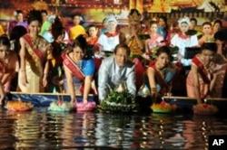 """ชุมชนไทยที่กรุงวอชิงตันจัด""""งานลอยกระทง"""" ล่วงหน้าพร้อมระดมทุนบริจาคช่วยเหลือผู้ประสบภัยน้ำท่วม"""