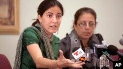 Rosa María Payá, hija del disidente Oswaldo Payá, y su madre, Ofelia Acevedo, presentaron una querella ante la Audiencia Nacional para esclarecer la muerte del disidente cubano.