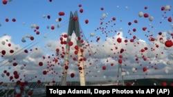 Istanbulda iItaliyaliklar qurgan Yovuz Sulton Salim ko'prigining ochilish marosimi