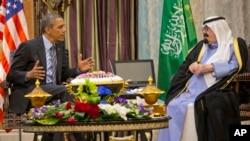 Tổng thống Barack Obama hội kiện Quốc vương Ả Rập Saudi Abdullah tại Rawdat Khuraim 28/3/2014.