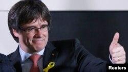 Карлес Пучдемон був усунений з посади керівника виконавчої влади в Каталонії і вів виборчу кампанію з Брюсселя, уникаючи іспанського суду