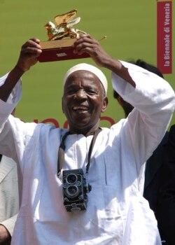 Eric Manirakiza a joint Ugo Diarra