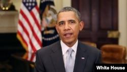 رئیس جمهوری آمریکا در حال ایراد پیام هفتگی - واشنگتن - پنجم آوریل