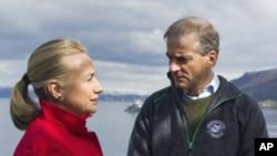 美国国务卿克林顿和挪威外交大臣斯特勒6月2日在挪威