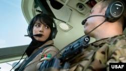 نیلوفر رحمانی برای آموزش پرواز طیاره های نظامی به امریکا آمده بود