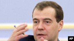 부정선거 주장에 대해 언급하는 메드베데프 대통령