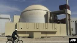 Reaktor nuklearne elektrane u Bušeru potpuno je obavijen masivnim betonskim i čeličnim omotačem.