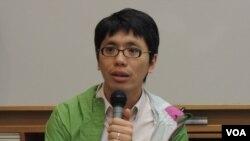 香港嶺南大學文化研究系助理講師葉蔭聰認為,目前佔領中環行動有向北京叫陣的意義 (美國之音湯惠芸)