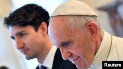 پاپ فرانسیس او د کاناډا صدراعظم