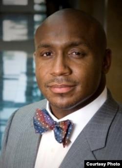 乔治亚州律师马乌利•戴维斯(Mawuli Davis)