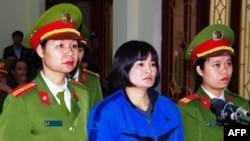 Nhà hoạt động Trần Thị Nga, tại phiên xử phúc thẩm, ngày 22/12/2017.
