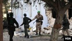 La jefa de la diplomacia europea Catherine Ashton decidió enviar una misión del servicio diplomático de la Unión Europea a Bengasi.