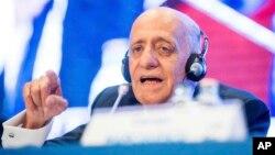 L'Uruguayan Julio Maglione a conservé confortablement son fauteuil de président de la Fédération internationale de natation à Budapest, Hondrie, 22 juillet 2017.