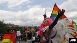Mijëra homoseksualë protestojnë në Pragë