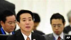 日本外相前原诚司主持部长会议