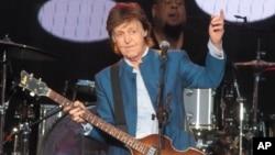 سر «پل مک کارتنی» خواننده بریتانیایی و عضو پیشین گروه بیتلها