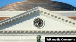미국 버지니아대학교에 세워진 토머스 제퍼슨 대통령 동상. 미국의 3대 대통령인 제퍼슨은 이 대학의 설립자다.