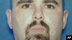 Hung thủ trong vụ nổ súng ở Wisconsin Wade Michael Page
