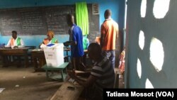Pemilihan umum di Abobo PK18, Pantai Gading (25/10).