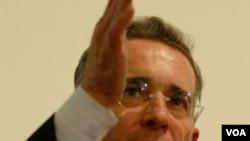 El presidente de Colombia, Álvaro Uribe, lamentó la muerte de los mineros.