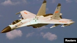 Máy bay chiến đấu J-11 của Trung Quốc.