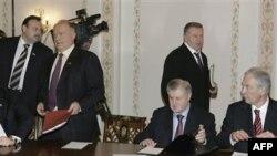 Геннадий Гудков, Геннадий Зюганов, Сергей Миронов, Владимир Жириновский и Борис Грызлов (архивное фото)
