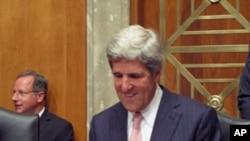 美國國會外交委員會主席民主黨籍的克里參議員為奧巴馬政府進行了辯護。