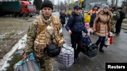 Эвакуация мирных жителей из Дебальцево