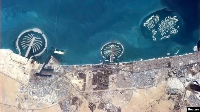 The islands of Dubai viewed from International Space Station March 20, 2013 (Col. Chris Hadfield)