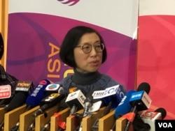 香港食物及卫生局局长陈肇始在记者会上讲话。(2020年1月22日)