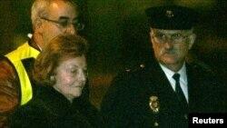 Le ex-presidenta conocida como Isabel Perón declara en una corte en Madrid.