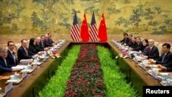 美国代表团2019年2月14日在北京钓鱼台国宾馆参加美中高级别贸易谈判。