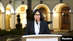 Vis Prezidan Venezuela a, Delcy Rodriguez, ki t ap anonse gwo chanjman nan kabinè ministeryèl la dimanch 17 mas 2019 la depi palè nasyona la, Palè Miaflores.