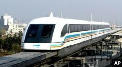 使纽约市长印象深刻的上海高速磁悬浮列车