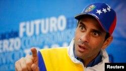 """""""Hay una crisis que une a todos los venezolanos. Es una gran oportunidad para que materialicemos los cambios"""", dijo Capriles."""