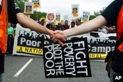 지난해 6월 미국 워싱턴 DC에서 빈곤 퇴치를 위한 집회가 열렸다.