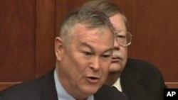 加州共和党籍联邦和众议员罗拉巴克4月18日在听证会上