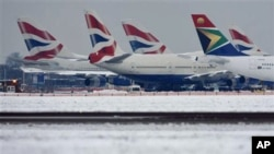 Planes grounded at Heathrow International Airport in London, 19 Dec 2010