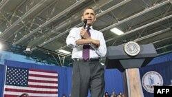 Predsednik Obama govori o smanjenju duga na sastanku sa gradjanima u lokalnom koledžu u Anandejlu, u Virdžiniji, 19. aprila 2011.